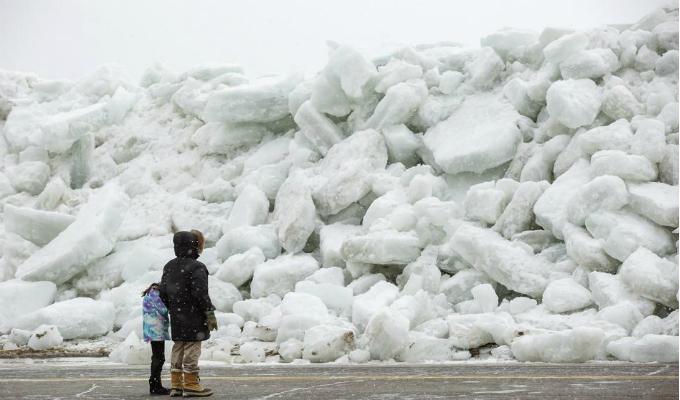 Canadá: bajas temperaturas generaron tsunami de hielo