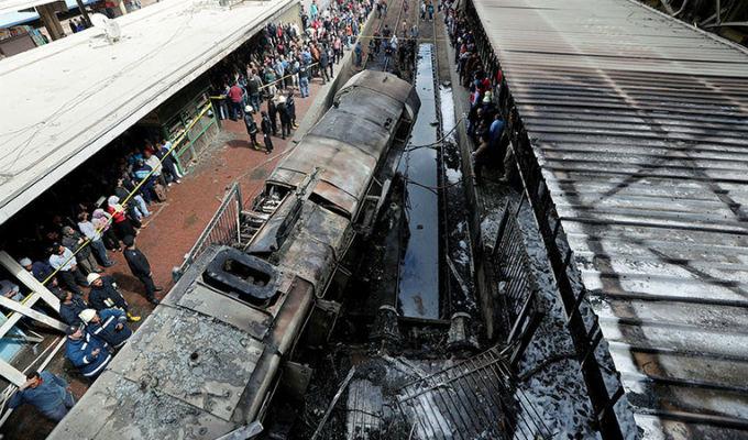 Vea el preciso instante de la explosión de tren en Egipto