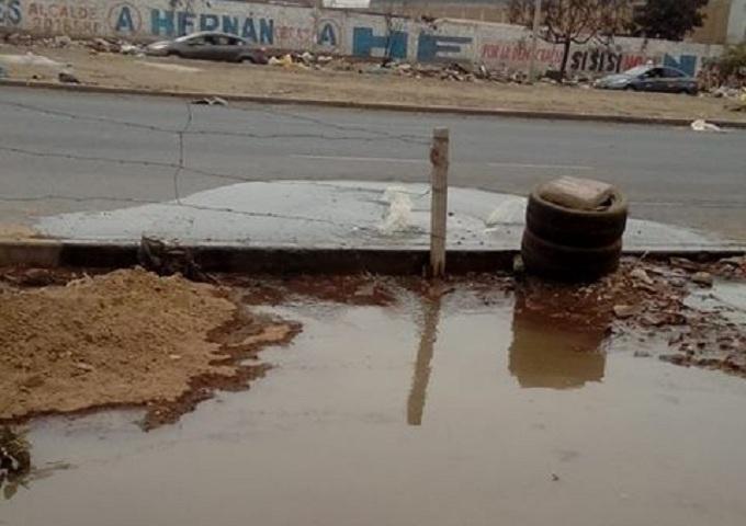 SMP: Colapsa desagüe en avenida Canta Callao
