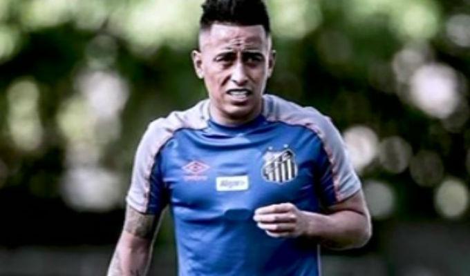 Christian Cueva no seguirá en Santos de Brasil