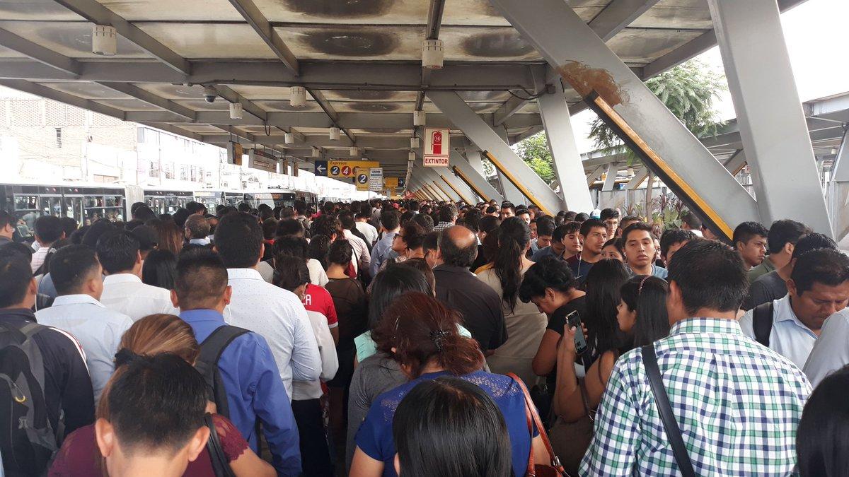 Metropolitano: Estaciones de Lima Norte colapsan por retrasos de buses