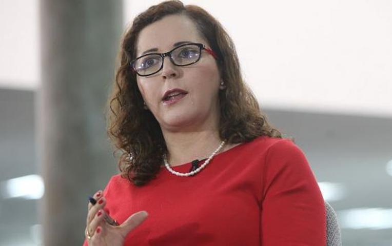 Rosa Bartra denuncia que sujetos rastrillaron arma en la puerta de su vivienda