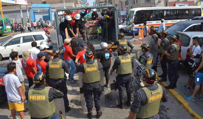 Decomisan media tonelada de mercadería en Gamarra