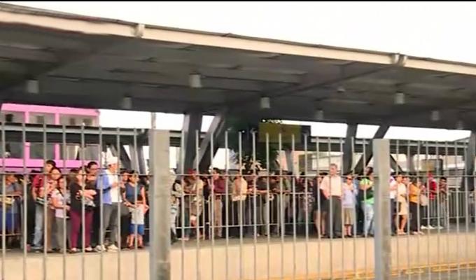 Metropolitano elimina fila de sentados en estación Naranjal