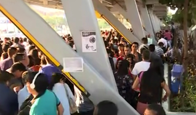 Metropolitano: caos en estación Naranjal por eliminación de fila de sentados