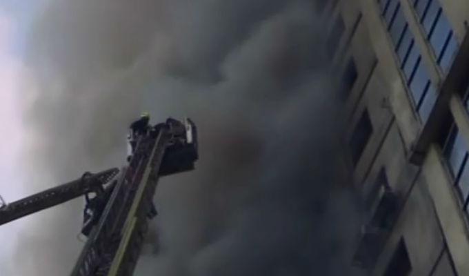 Bangladesh: al menos 19 muertos tras incendio en edificio