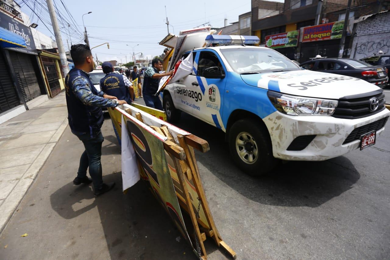 San Luis: desalojan ambulantes y recuperan  espacios públicos