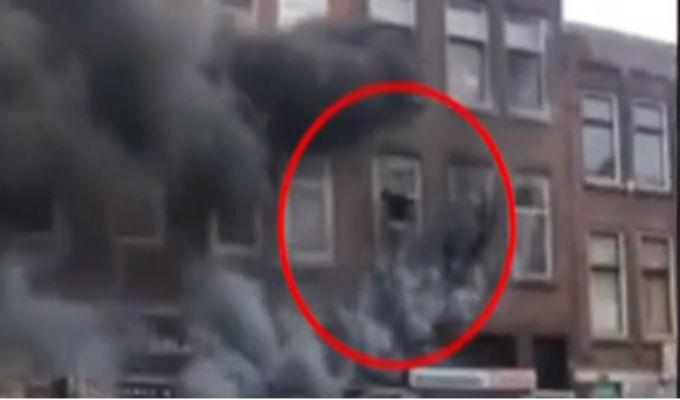 Holanda: hombre se lanza desde edificio en llamas