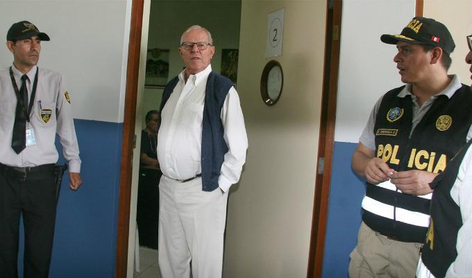 Pedro Pablo Kuczynski fue trasladado a clínica por problema cardíaco