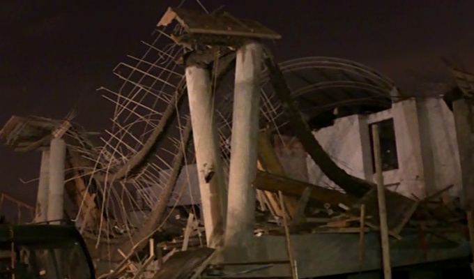 Comas: seis heridos deja derrumbe de techo de iglesia