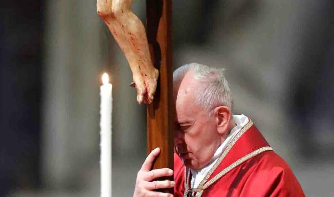 Viernes Santo: Papa Francisco presidió el tradicional Vía Crucis
