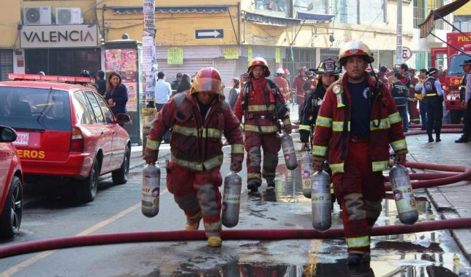 Aprueban reglamento de la ley que otorga beneficios póstumos a bomberos héroes