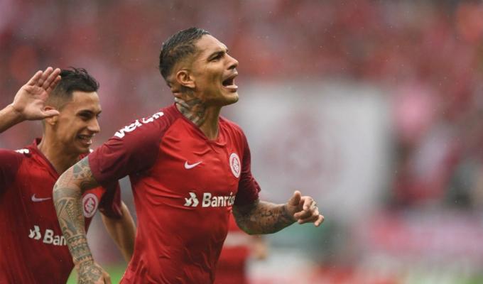 Paolo Guerrero retornó a Brasil tras partido con Alianza Lima