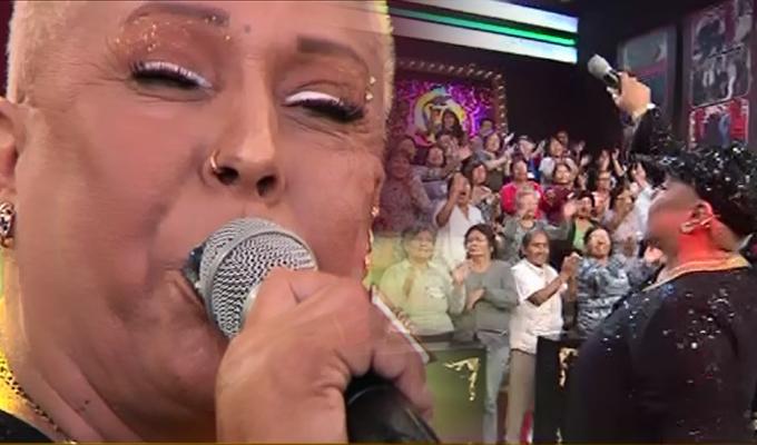"""Lucía de la Cruz deslumbró en el escenario de """"Porque hoy es sábado con Andrés"""""""