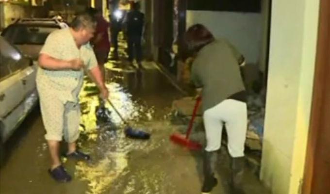 Chorrillos: casas inundadas por desborde del río Surco