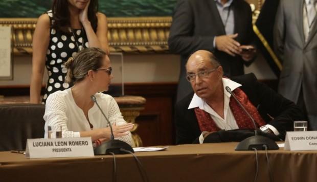 Comisión aprobó informe que recomienda levantar inmunidad a congresista Donayre