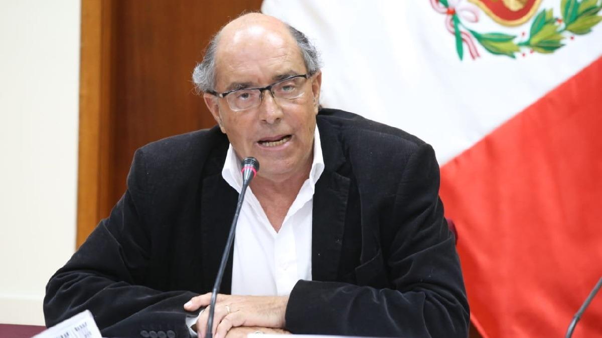 Ministerio de Defensa retirará condecoraciones a Edwin Donayre