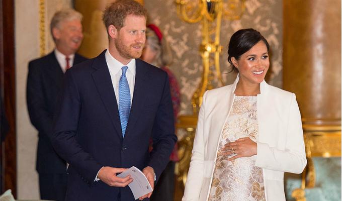 Reino Unido: población celebra el nacimiento del hijo del príncipe Harry y Meghan Markle