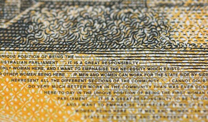 Escándalo en Australia: imprimen billetes de 50 dólares con faltas ortográficas