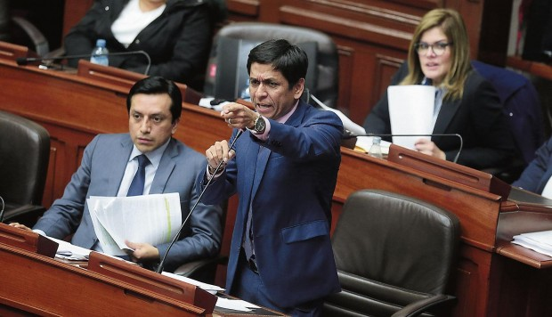 Bancada PPK solicitará reformular cronograma de debate a Comisión de Constitución