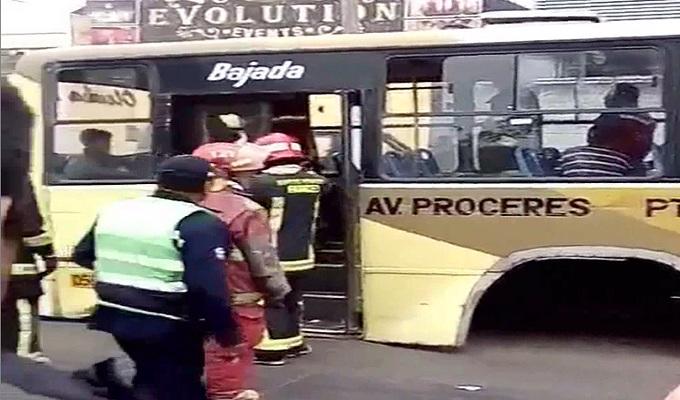 SJL: Bus pierde sus llantas traseras y deja varios heridos