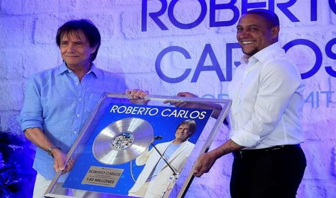 España: Roberto Carlos recibe reconocimiento a su destacada trayectoria musical