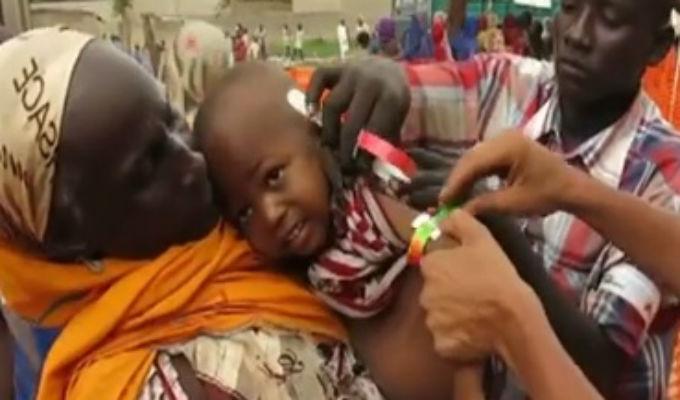 Peruano ayuda a víctimas de la violencia en Nigeria