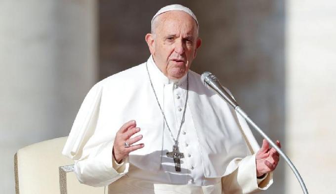 Papa Francisco pide llegar a acuerdos para acabar crisis humanitaria en Venezuela