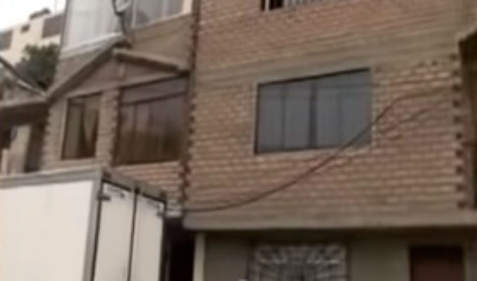 Vecinos de Bellavista protestaron ante multas por no tarrajear sus casas
