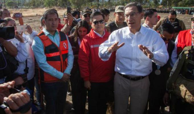 Presidente Martín Vizcarra no descartó cerrar el Congreso de la República