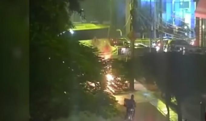 San Isidro: moto lineal explotó frente a centro comercial