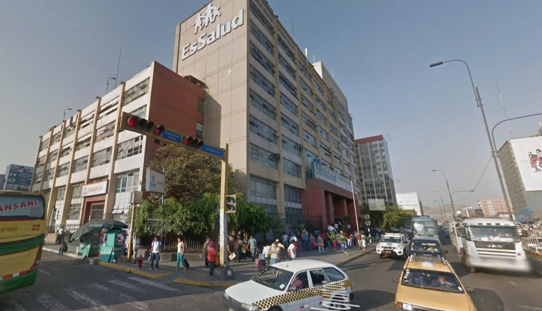EsSalud se pronuncia sobre caída de anciana en Hospital Grau