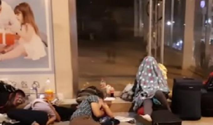 Tumbes: ciudadanos venezolanos pasan la noche en calles y parques