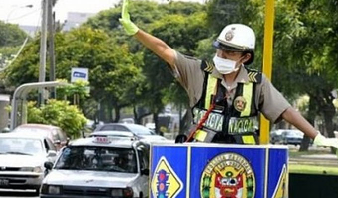 """Vizcarra: """"policías no deben vigilar el tránsito, tienen que salir a cuidar las calles"""""""