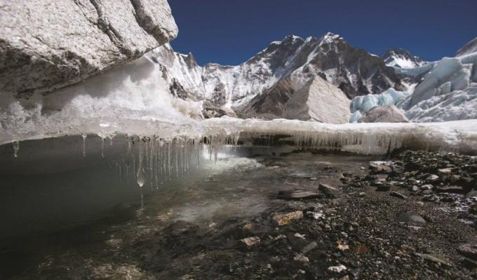Alerta ante escasez de agua: glaciares del Himalaya se derriten mucho más rápido este siglo