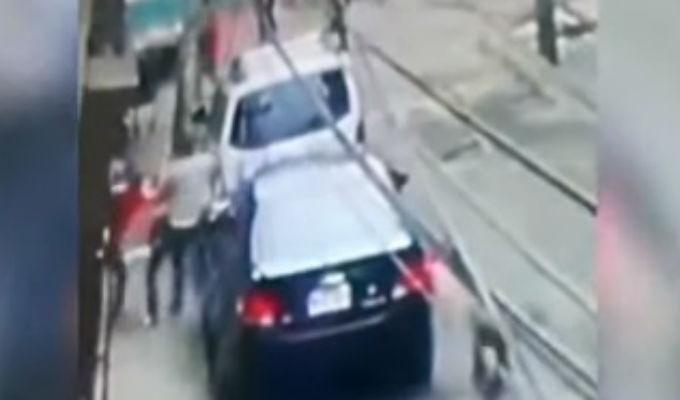Santa Anita: delincuentes armados asaltan a hombre dentro de su casa