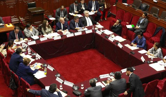 Comisión de Constitución aprueba dictamen sobre inscripción y cancelación de partidos
