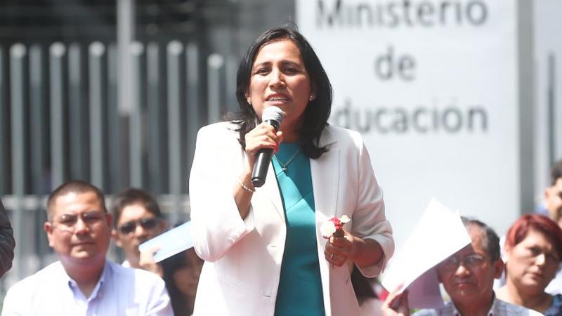 """Ministra Flor Pablo: """"Primero hay que invertir en nuestros maestros"""""""