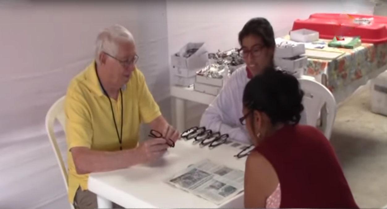 Piura: pobladores afectados por desbordes reciben atención médica