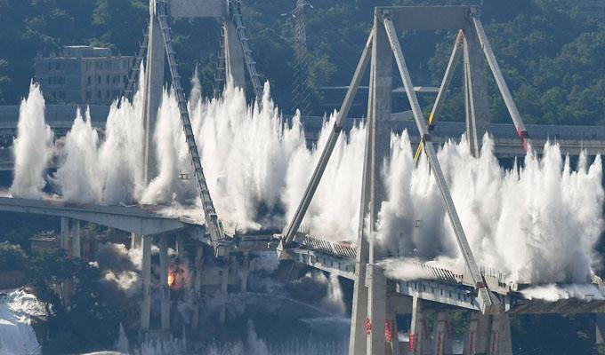 Italia: destruyen puente en el que fallecieron 43 personas el pasado agosto