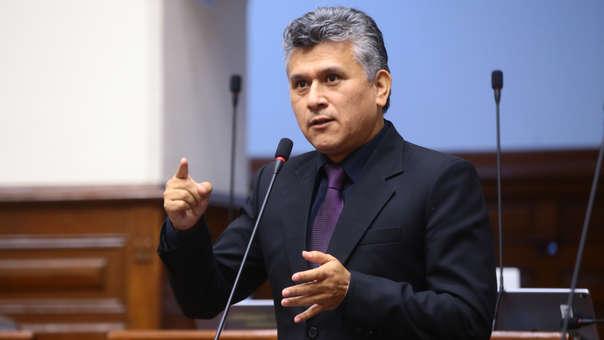 César Campos: Fiscalía abre investigación preliminar por caso recorte de sueldo