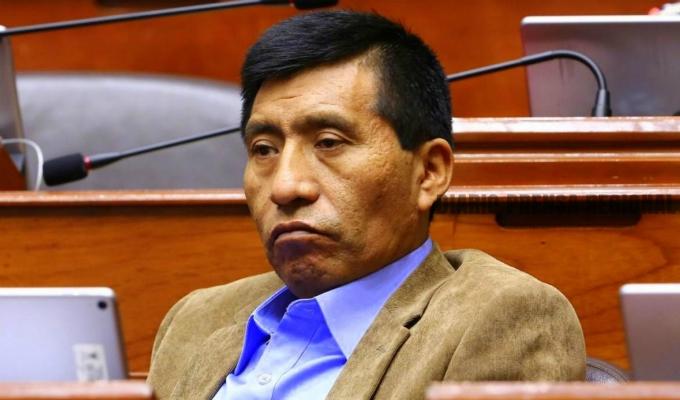 Congreso: archivan denuncia contra Mamani por tocamientos indebidos