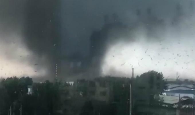 Tornado dejó pérdidas millonarias tras su paso por la ciudad china de Kaiyuan