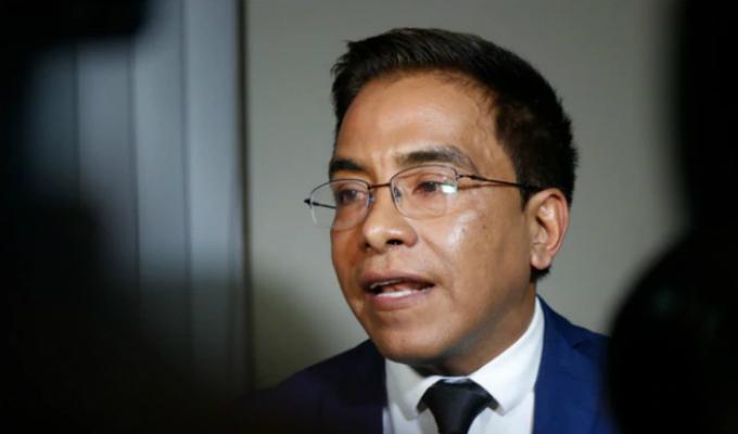 Comisión de Ética aprobó informe que recomendaba suspensión de Roberto Vieira