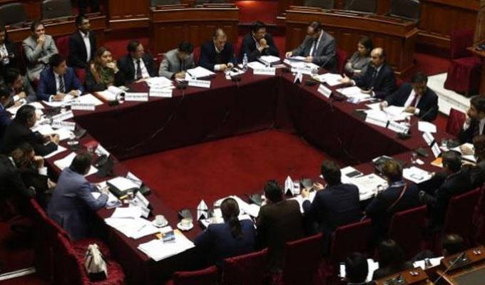 Congresistas reaccionan a críticas de Vizcarra por lentitud en aprobación de reforma