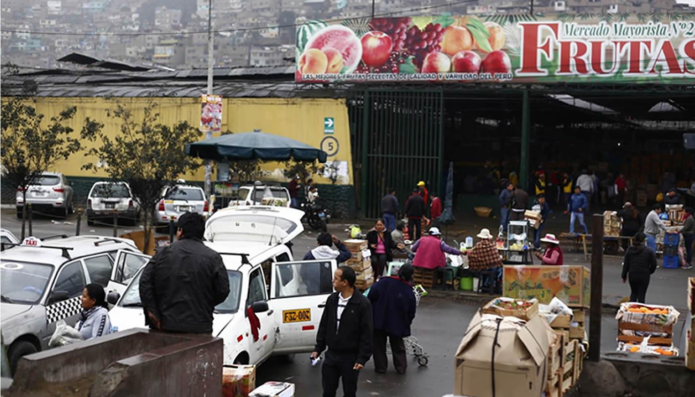 Municipio de Lima busca reordenar alrededores del Mercado de Frutas