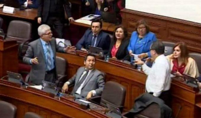 Congresistas Castro e Iberico protagonizaron fuerte altercado durante debate