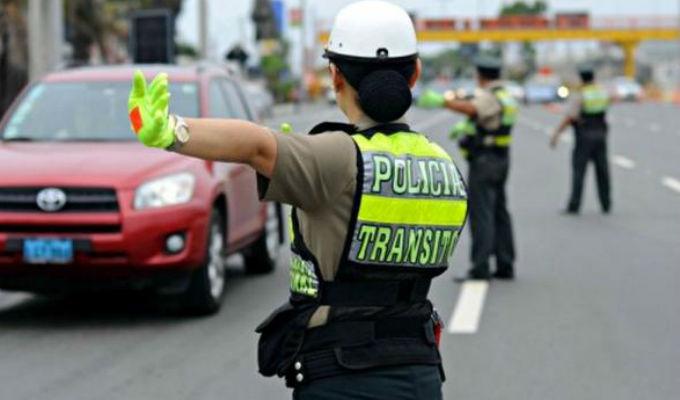Rímac: conductores manejan contra el tráfico en vía auxiliar de Evitamiento