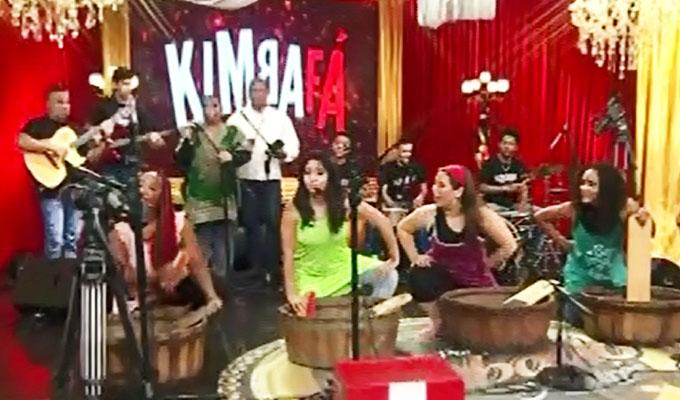 """Kimba Fá y toda su tradición afroperuana llegó a """"Porque hoy es sábado con Andrés"""""""