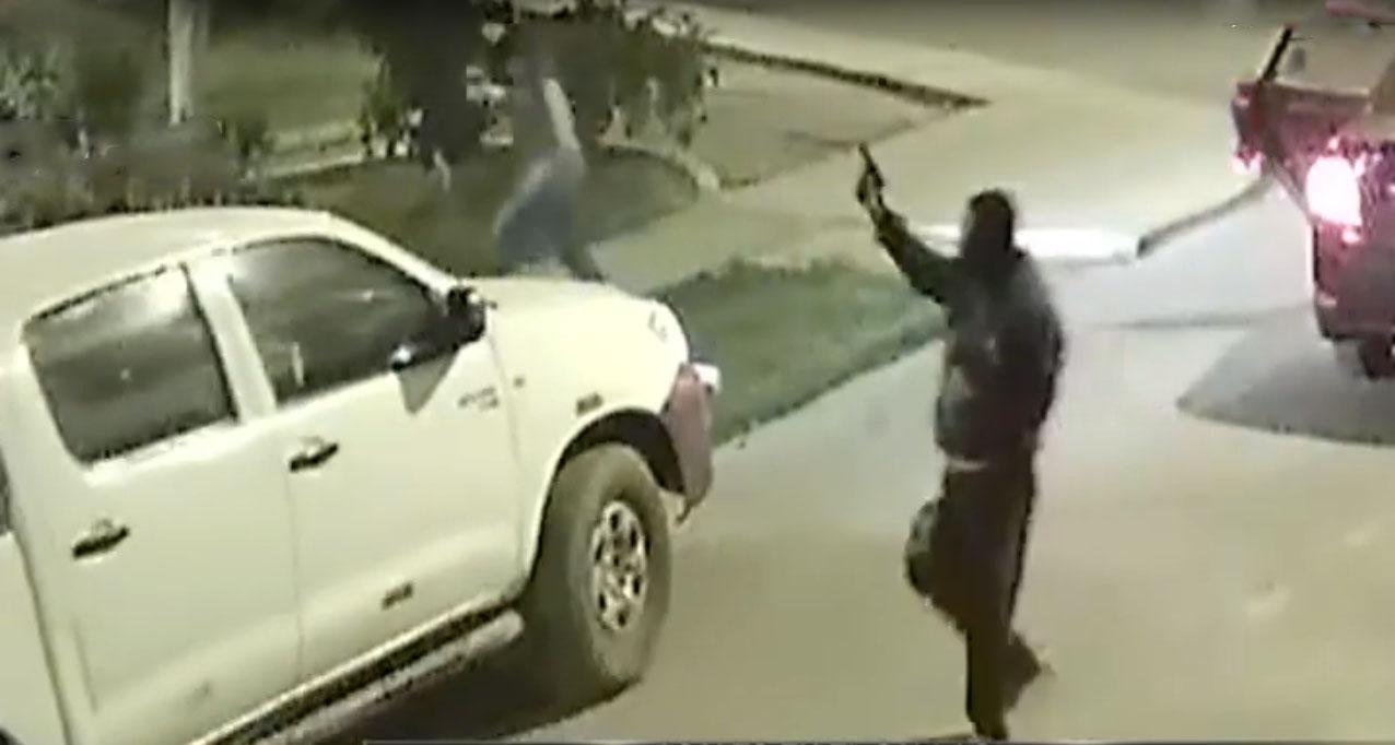 Callao: ladrones se llevan camioneta en menos de un minuto
